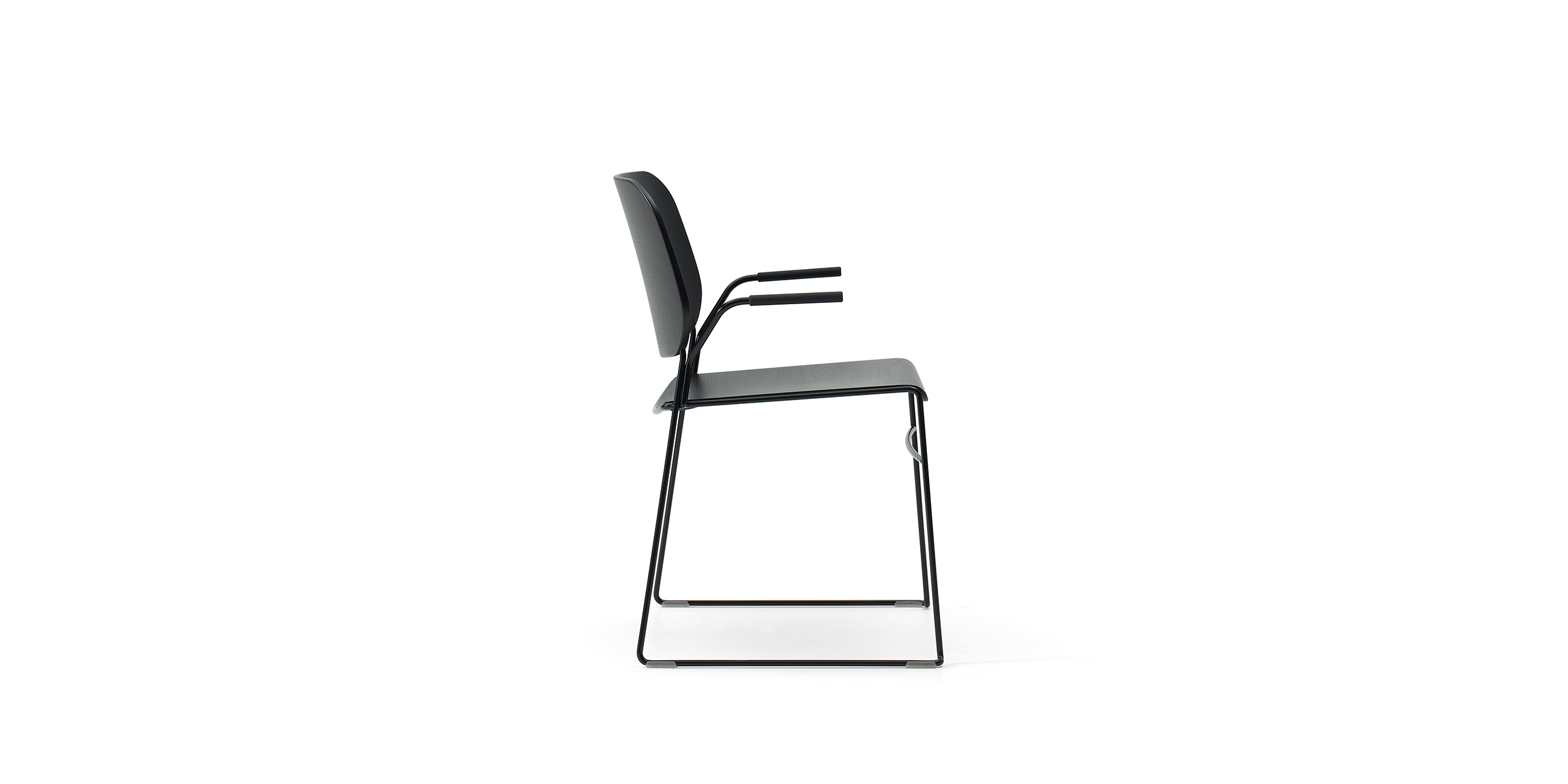 Lite, Stapelbar karmstol by Broberg & Ridderstråle